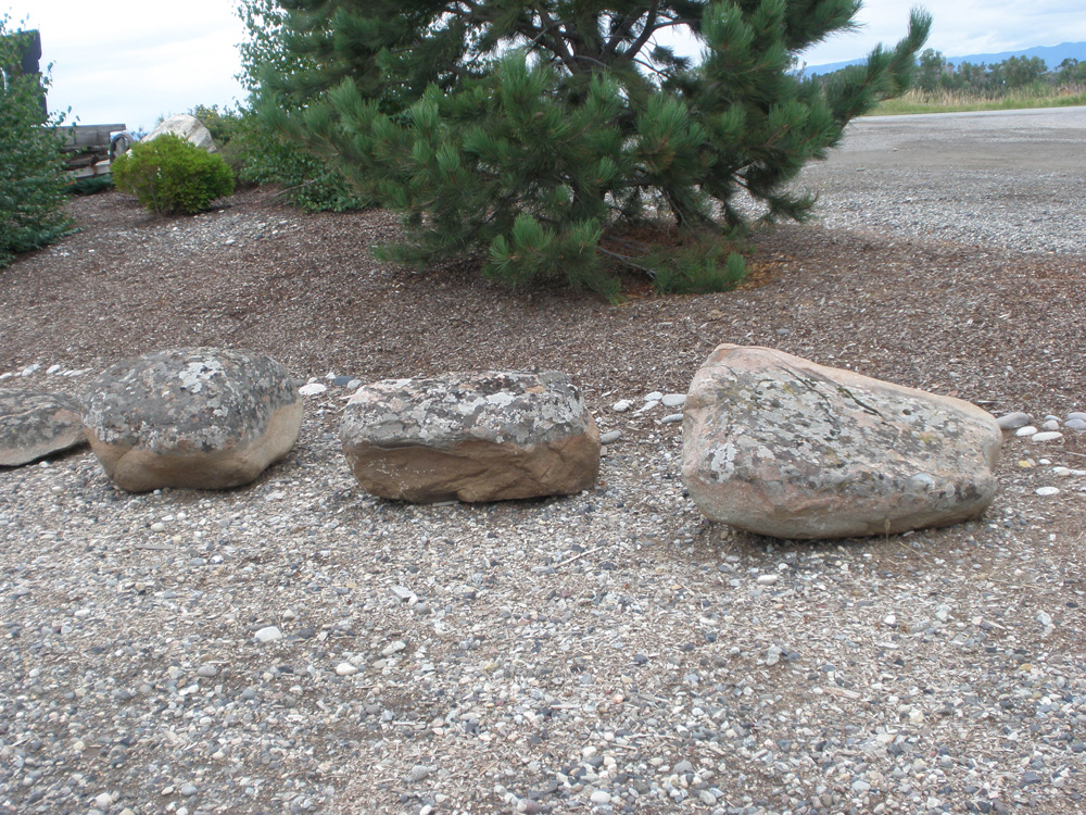 Landscaping boulders western pines landscaping for Landscaping rocks by the ton